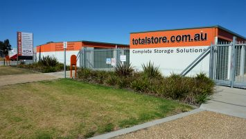 Total Store Bairnsdale, partner business of Lo.Co. Removals